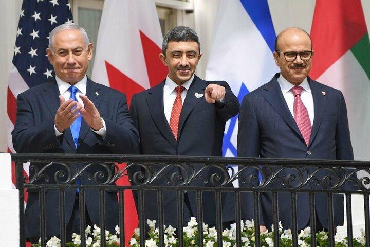 چه کسی سران عرب را به سازش با اسراییل ترغیب کرد؟