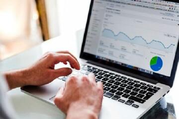ادامه فعالیت مشاغل دولتی و کارهای اداری به شکل اینترنتی