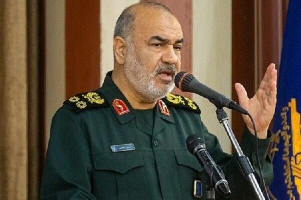 سرلشکر سلامی: ۸ سال دفاع مقدس یک جنگ جهانی علیه ایران بود