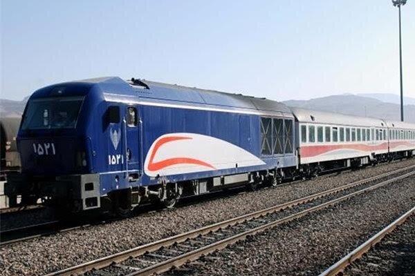 مدیر عامل راه آهن کشور بر تسریع در افزایش حمل ریلی از بندرخشک یزد