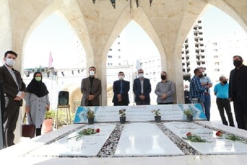 مراسم غباررویی و عطرافشانی گلزار شهدای گمنام واحد تهران مرکزیبرگزار شد