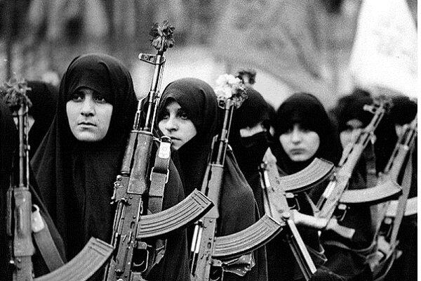 روایتگری2300 برنامه فرهنگی از نقش زنان در دفاع مقدس