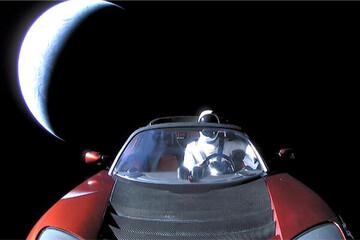 خودروی تسلا به نزدیکترین فاصله مریخ رسید