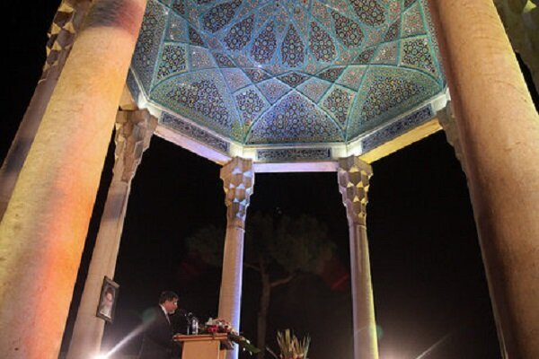 موسوی روز «بزرگداشت حافظ» را گرامی داشت