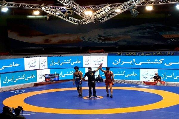 پیروزی مقتدرانه تیم کشتی فرنگی دانشگاه آزاد اسلامی بر صبا نور کردستان در لیگ برتر کشور