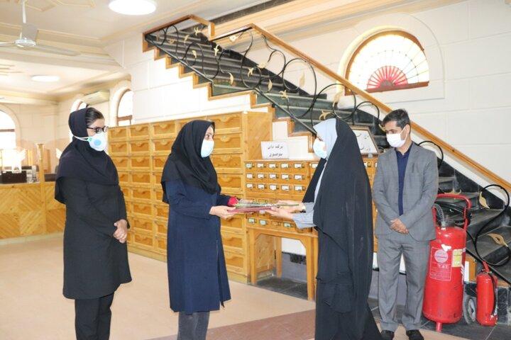 تجلیل از کتابداران دانشگاه آزاد اسلامی واحد بندرعباس