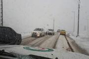 بارش برف و باران در جادههای ۲۲ استان