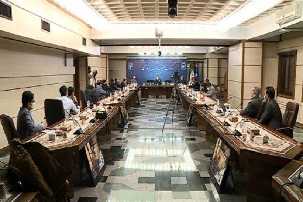 وزیر اقتصاد جواب گرانی محصولات فولادی را به مردم بدهد