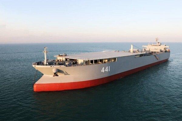 ناو بندر مکران در رزمایش دریایی اقتدار به نیروی دریایی ملحق شد