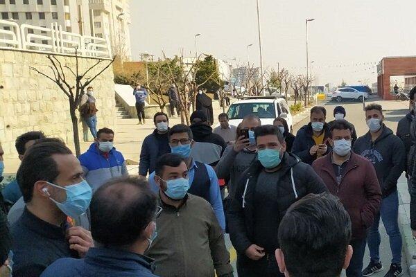 حضور پروین و منصوریان در بیمارستان با همراهی علی کریمی