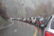 ترافیک سنگین در همه محورهای شمالی/ بی اعتنایی مسافران به منع تردد