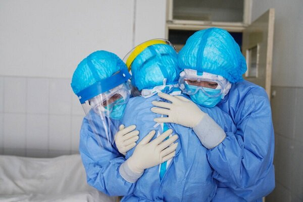 کرونا یا وزارت بهداشت؛ مقصر مرگ پرستار باردار کیست؟