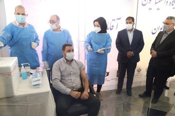 واکسیناسیون کارکنان سازمان بهشت زهرا (س) آغاز شد