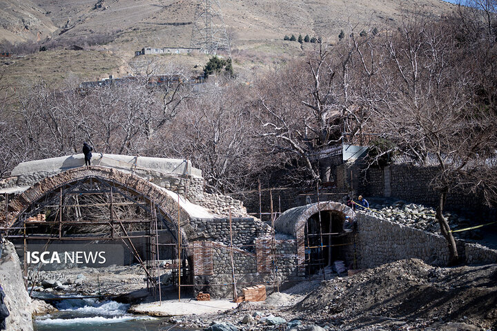 بازدید عکاسان از حمام تاریخی اسماعیلیون و بازسازی پل تاریخی کن