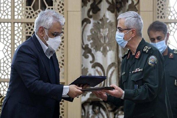 ستادکل نیروهای مسلح و دانشگاه آزاد اسلامی 2 تفاهمنامه همکاری امضا کردند