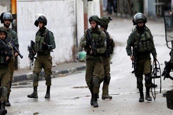 یورش نظامیان صهیونیست به کرانه باختری/ بازداشت ۱۲ فلسطینی