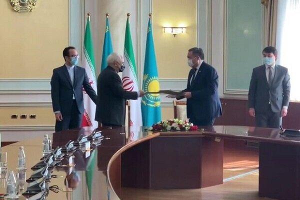 امضای برنامه همکاری وزرای خارجه ایران و قزاقستان