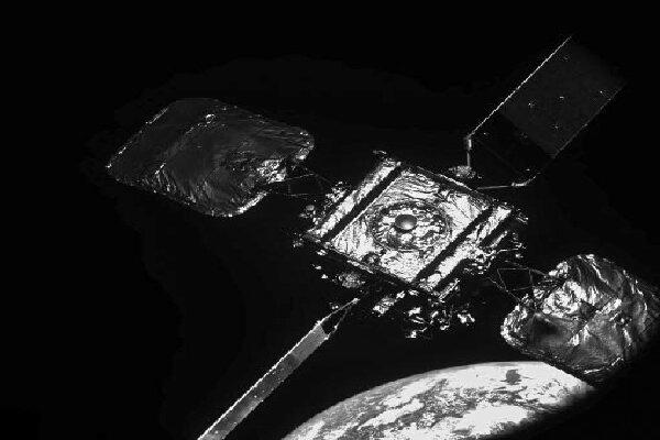 اتصال با ماهواره برای افزایش طول عمر آن