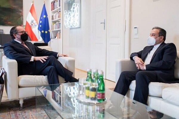 عراقچی با وزیر امور خارجه اتریش دیدار کرد