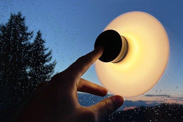 تولید لامپی که به انواع سطوح می چسبد