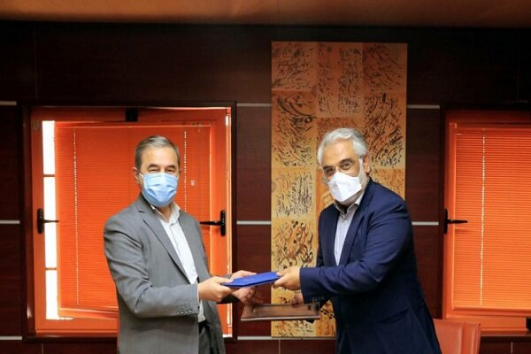 تفاهم نامه همکاری بین دانشگاه آزاد اسلامی و فرهنگستان هنر منعقد شد