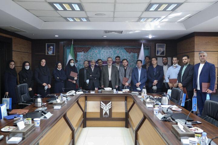 مراسم تقدیر از کارکنان روابط عمومی دانشگاه آزاد اسلامی برگزار شد