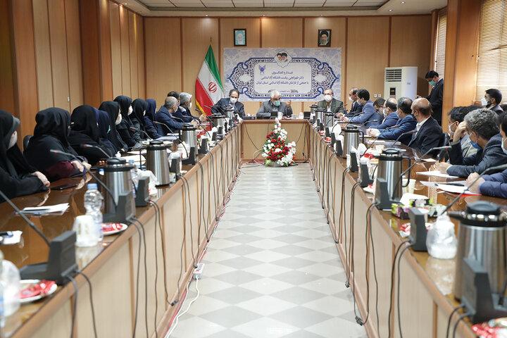 دیدار و گفتگوی دکتر طهرانچی با جمعی از کارکنان دانشگاه آزاد اسلامی استان گیلان