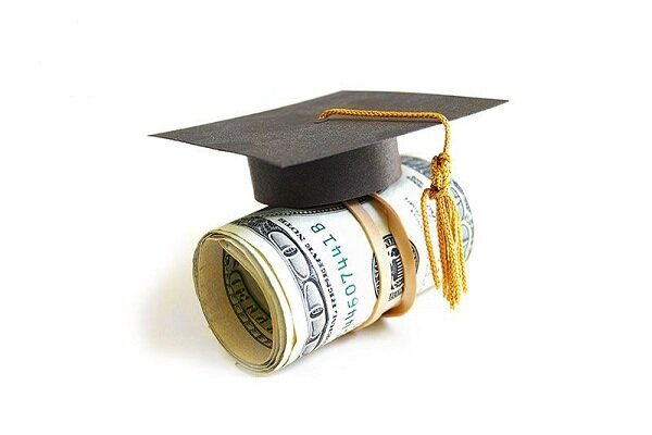 سازمان امور دانشجویان زیر بار قانون نمیرود/ فرصت مطالعاتی نه تعهد مالی دارد و نه تعهد خدمت