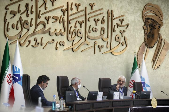 چهاردهمین جلسه شورای دانشگاه آزاد اسلامی در واحد قزوین برگزار شد