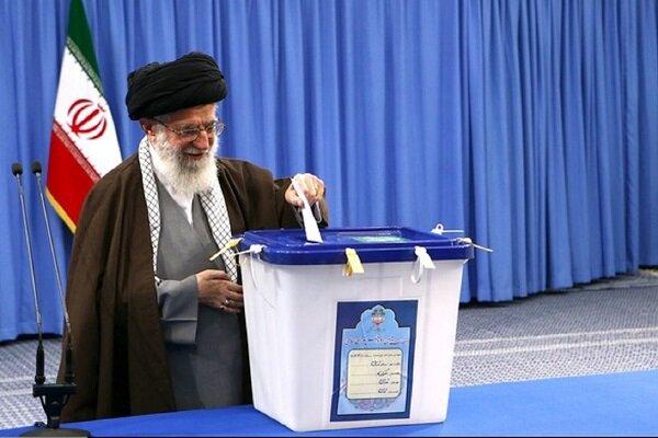 رهبر انقلاب، فردا ساعت ۷ صبح رای خود را به صندوق می اندازند
