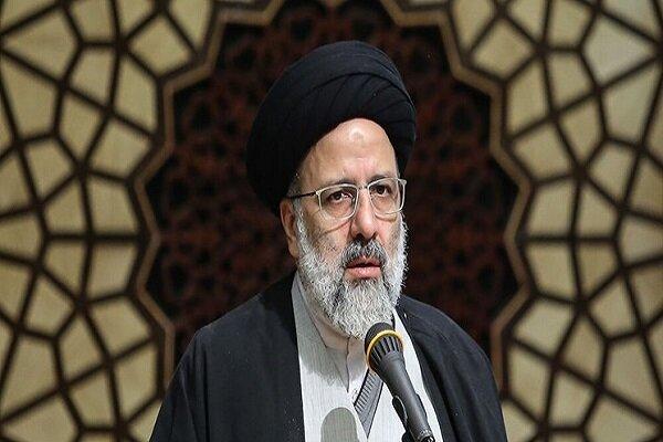 آیت الله رئیسی: شرط کار در دولت من حفظ کرامت مردم است/ باید از زندگی مردم گرهگشایی کرد