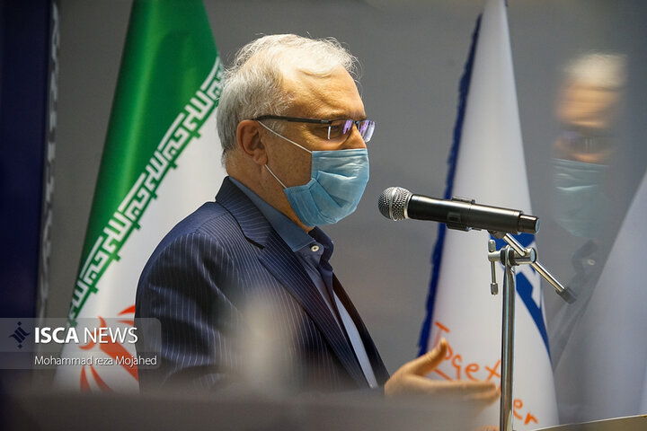 رونمایی از واکسن اسپوتنیک تولیدشده در ایران