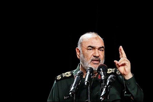 سرلشکر سلامی: کنار مردم خوزستان تا انتهای رفع مشکل هستیم