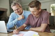 والدین بخوانند؛ راههای تقویت ارتباط عاطفی با فرزندان در دوره دانشجویی