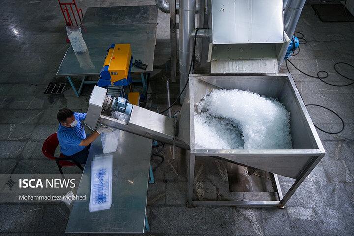 تشدید فعالیت کارخانه یخ با دمای 38 درجه شهر تهران