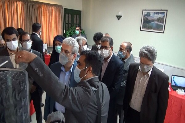 بازدید معاون علمی و فناوری رئیسجمهوری از طرح های فناورانه دانشگاه آزاد اسلامی واحد شهرکرد