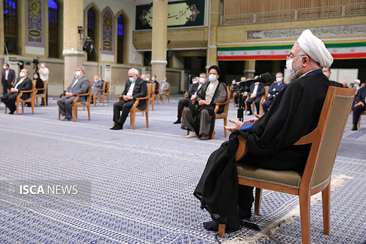 آخرین دیدار رئیسجمهور و هیئت دولت دوازدهم با رهبر انقلاب