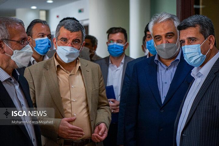 مراسم آغاز واکسیناسیون اساتید، دانشجویان و کارکنان دانشگاههای کشور در دانشگاه آزاد اسلامی واحد علوم و تحقیقات برگزار شد