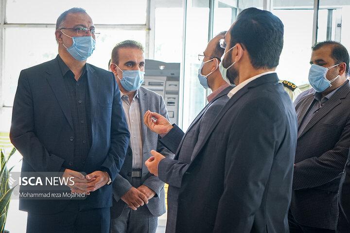بازدید شهردار تهران از مرکز آماده به کار واکسیناسیون بوستان گفتگو