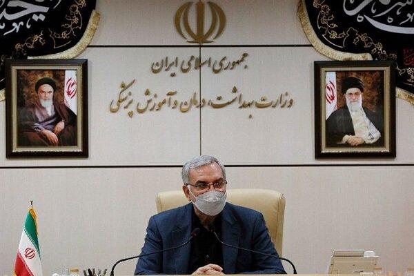 اصرار وزیر بهداشت در بزرگنمایی آمار واکسیناسیون / اختلاف ۱۵ میلیونی در اعلام تعداد واکسینه شدهها