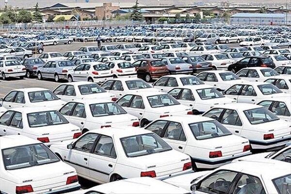 بازار خودرو در رکود / قیمت خودروها ۵ تا ۱۰ درصد کاهش یافت