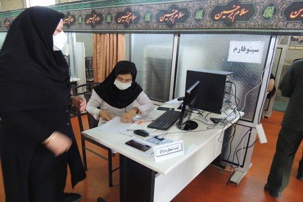 مرکز واکسیناسیون دانشگاه آزاد اسلامی واحد دهاقان راهاندازی شد