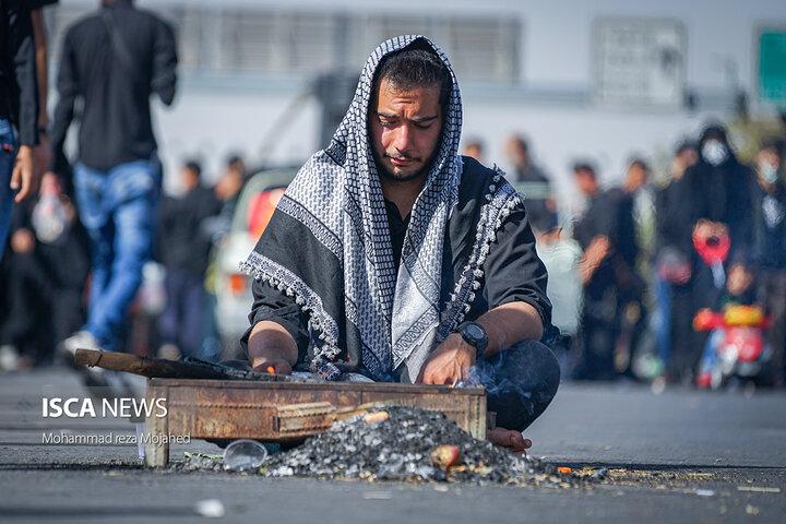پیاده روی جاماندگان اربعین از میدان امام حسین ع تا حرم حضرت عبدالعظیم حسنی ع