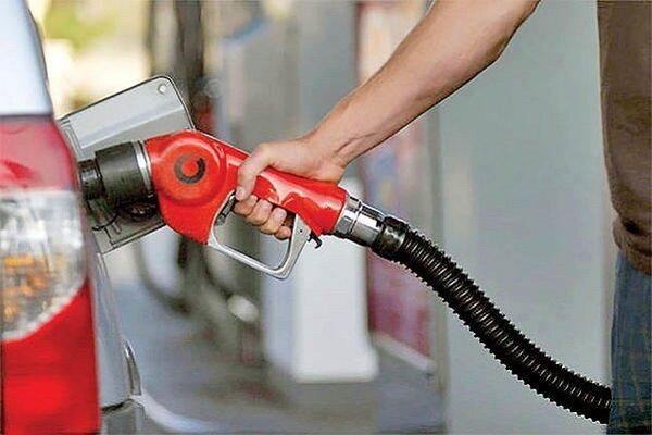 مردم فعلا بنزین ۳ هزار تومانی بزنند/ زمان رفع مشکل جایگاه های سوخت مشخص نیست