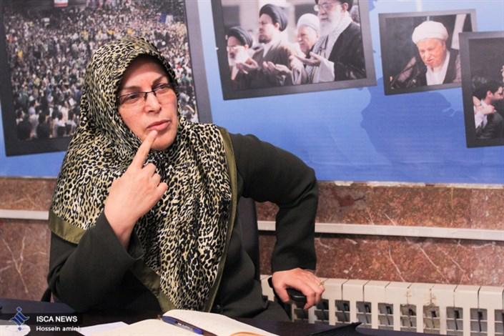 آذرمنصوری: اصلاح طلبان برای اینکه مانع حضور تندرو ها به مجلس شوند از اصولگرایان میانه رو حمایت کردند/ باید به اعضای فراکسیون امید فرصت داد