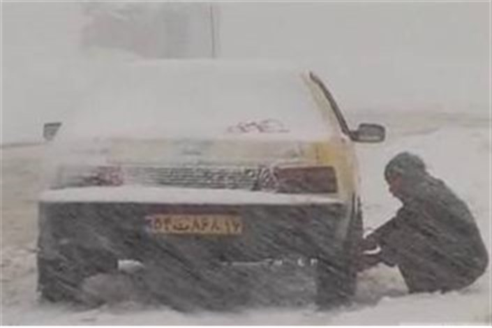 برف و باران در محورهای ۸ استان/محدودیت تردد در جاده هراز