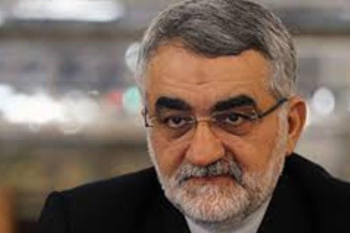 بروجردی: ارتقاء سطح روابط بین تهران - لندن و تعیین سفیر مغایرتی با قانون ندارد