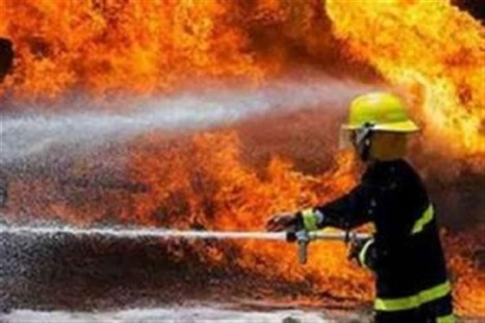 آتش سوزی گسترده در منطقه شورآباد/ انبار 4 هزار متری در آتش سوخت