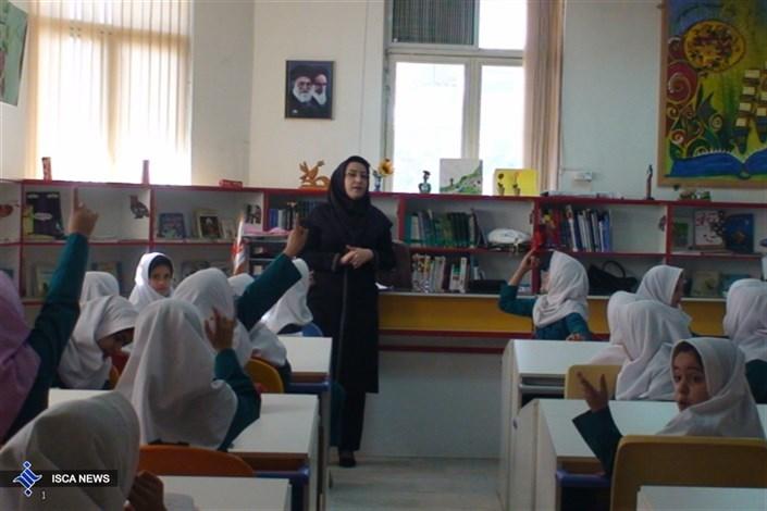حق التدریسی های آموزش و پرورش همچنان در انتظار حقوق