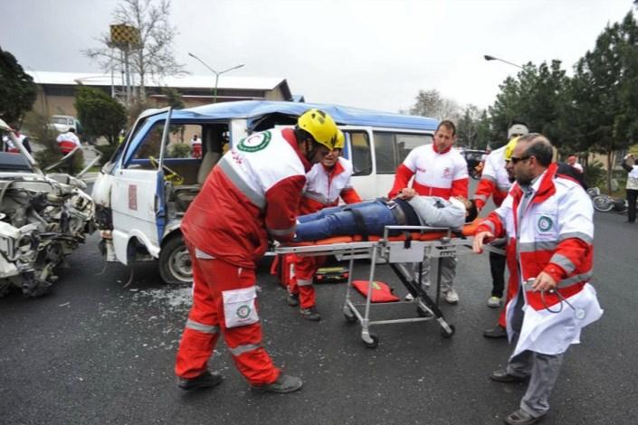 در واژگونی اتوبوس در قزوین 27 نفر دچار حادثه شدند